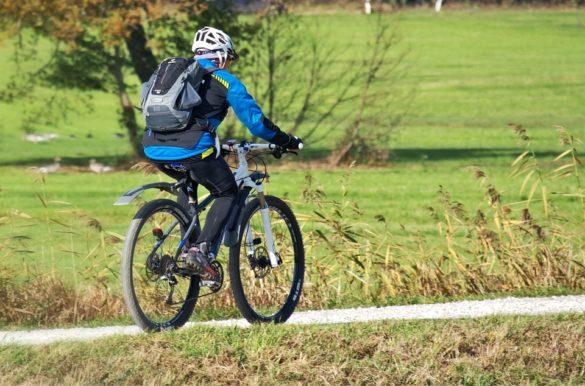 biciliranje po kiši biciklističke hlače za kišu uz koje cete ostati suhi hlače ne propuštaju vodu