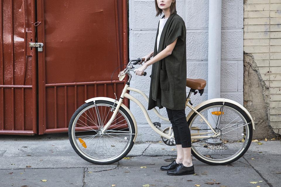 Zašto nije dozvoljena vožnja bicikla preko zebre i koje vas kazne čekaju za taj prekršaj?