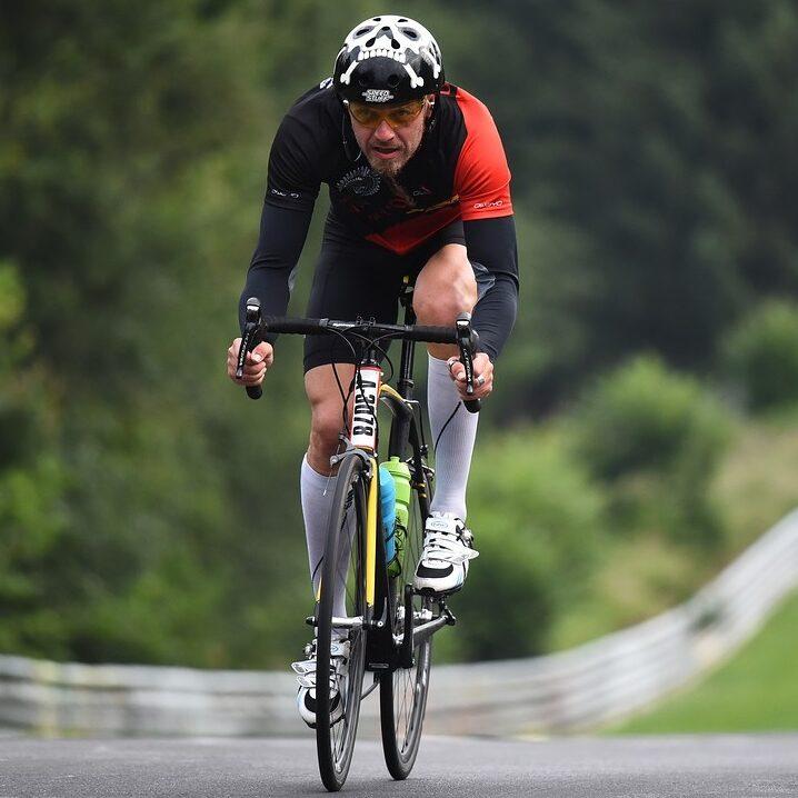 bicikli cikloturizam turisti na biciklima putovanje biciklom biciklističke priče vožnja bicikla biciklisti